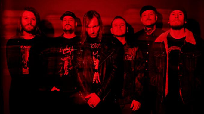 le groupe de rock metal KVELERTAK sur fond rouge