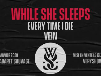 Gagne ta place pour le concert de While She Sleeps à Paris - A person with collar shirt - T-shirt