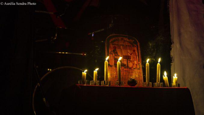CARONTE cierge sur un autel satanique satanisme gothique